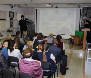 Выставка работ участников конкурса детского рисунка «Броня Урала»