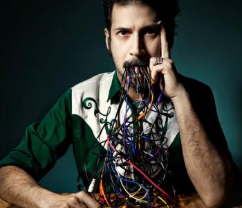 Мастер-класс «Введение в искусство взламывания музыкальной электроники»