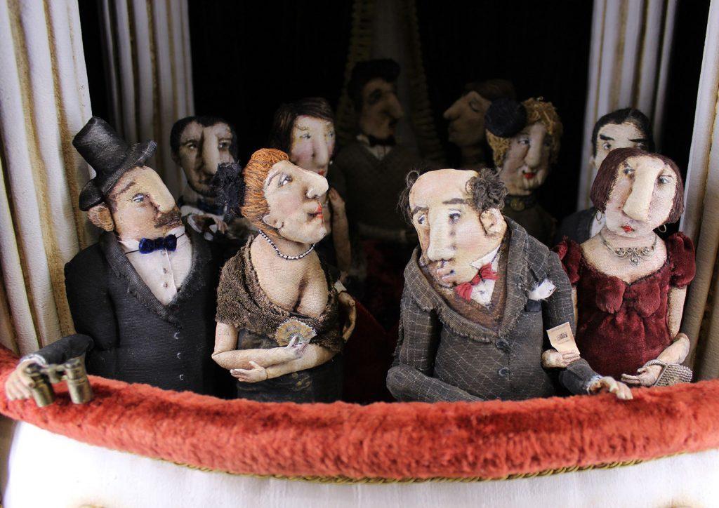 """Кукольные композиции Елены Злоказовой на выставке """"Карусель кружится"""""""
